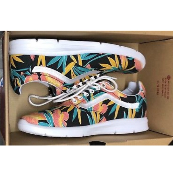 da03b85ed5 Vans Iso 1.5Tropical Leaves Black True White Shoe+